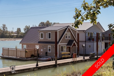 Queensborough Float Home for sale: Queensgate Marina 2 bedroom  Stainless Steel Appliances, Hardwood Floors 1,184 sq.ft. (Listed 2016-08-25)